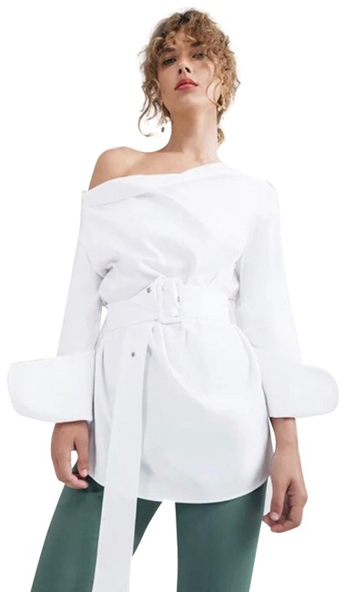 Preload https://img-static.tradesy.com/item/25214262/cmeo-collective-white-cmeo-belted-blouse-size-4-s-0-1-650-650.jpg
