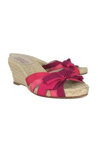 Salvatore Ferragamo Espadrille Wedge Slip Ons Pink Pumps