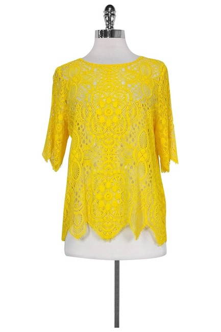 Item - Yellow Activewear Top Size 8 (M)