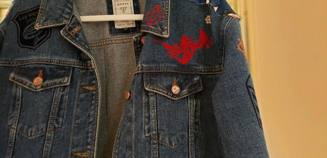 Guess By Marciano Super Cute Lots Of Detail Patch Work Indigo Blue Womens Jean Jacket Image 4