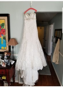 Allure Bridals White Lace 9051 Sexy Wedding Dress Size 8 (M)
