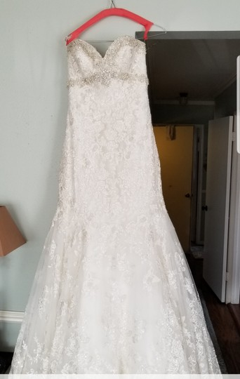 Allure Bridals White Lace 9051 Sexy Wedding Dress Size 8 (M) Image 7