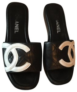 832f4879864 Chanel Sandals on Sale - Up to 70% off at Tradesy