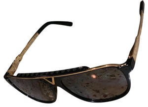 1c32a54ed66 Louis Vuitton Sunglasses on Sale - Up to 70% off at Tradesy