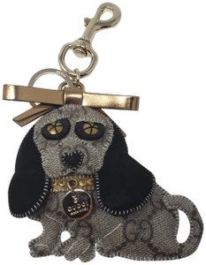 f2d82d3e4a7 Gucci Grey interlockin GG canvas Gucci dog keychain