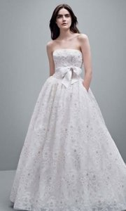 d88eacfb9f6a Vera Wang Ivory Lace White By Organza Laser Cut Vw351219- Feminine Wedding  Dress Size 6