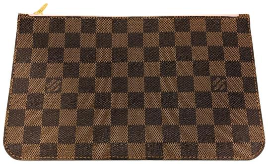 Preload https://img-static.tradesy.com/item/25220681/louis-vuitton-neverfull-2019-mm-pouch-damier-ebene-made-in-france-clutch-0-1-540-540.jpg