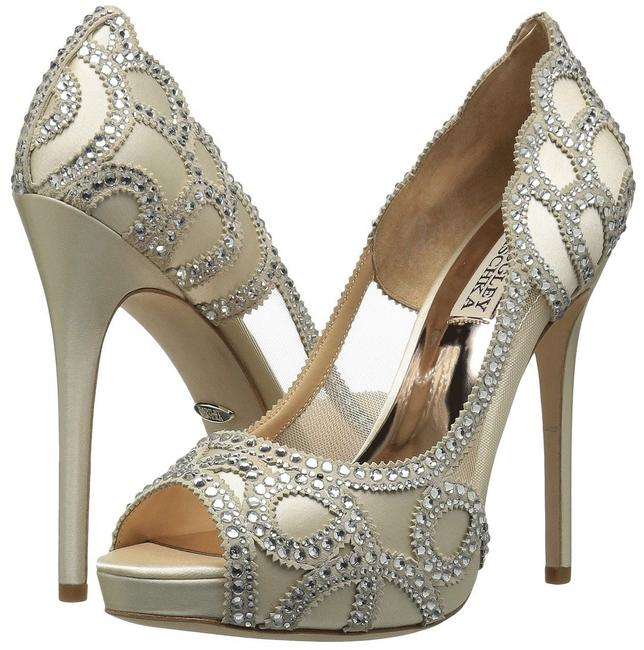Item - Ivory Witney Crystal Embellished Pumps Size US 10 Regular (M, B)