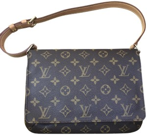 721af474d957 Louis Vuitton Musette Tango Shoulder Bags - Up to 70% off at Tradesy