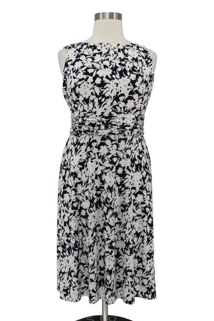 Preload https://img-static.tradesy.com/item/25224877/chaps-blue-and-white-floral-print-matte-jersey-ruching-waist-fit-flare-mid-length-workoffice-dress-s-0-0-650-650.jpg
