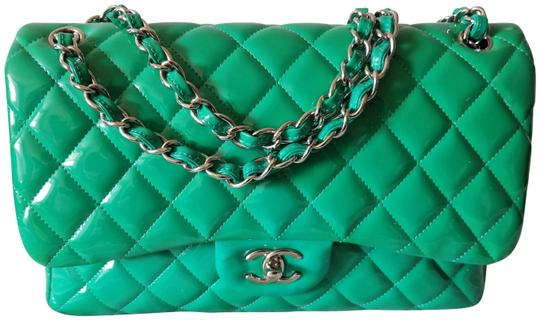 Preload https://img-static.tradesy.com/item/25225094/chanel-classic-jumbo-double-flap-silver-hardware-green-patent-leather-shoulder-bag-0-1-540-540.jpg