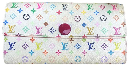 Preload https://img-static.tradesy.com/item/25225428/louis-vuitton-multicolor-sarah-wallet-0-1-540-540.jpg