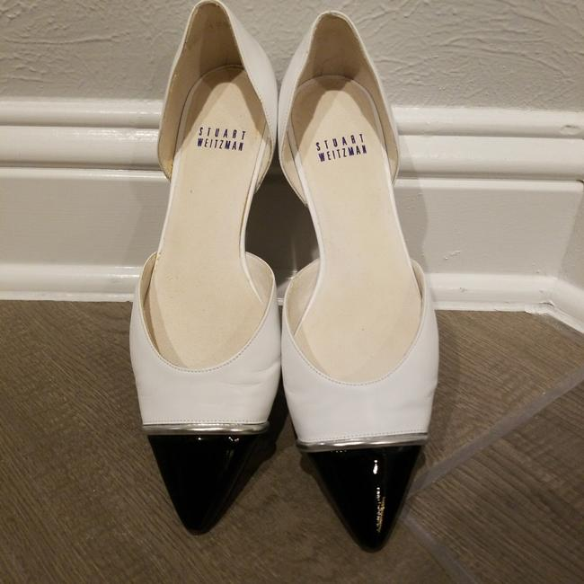 Item - White and Black with Silver Band Tipantibe Flats Size US 6 Regular (M, B)