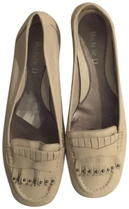 Michelle D Leather Ivory Flats
