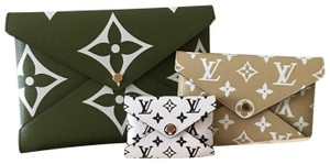 Louis Vuitton Khaki/Beige Clutch