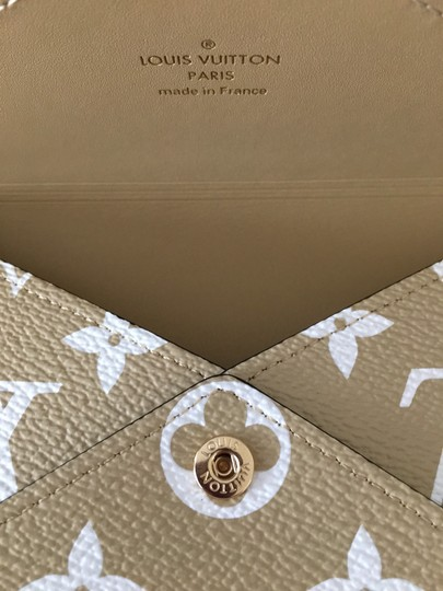 Louis Vuitton Khaki/Beige Clutch Image 11