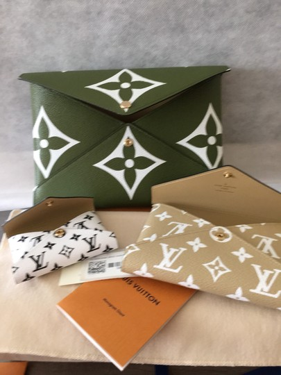 Louis Vuitton Khaki/Beige Clutch Image 6