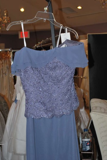 Cameron Blake Delphinium Purple Chiffon Lace 16636 Formal Bridesmaid/Mob Dress Size 6 (S)