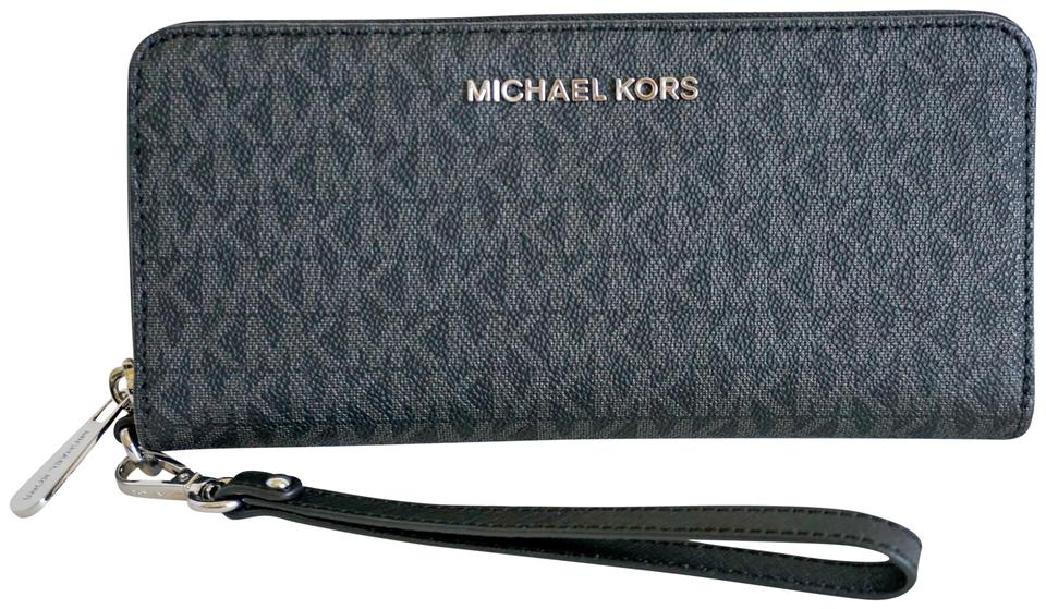 a24a11907524 Michael Kors Michael Kors Jet Set Travel PVC Leather Wallet Wristlet MK  Black Image 0 ...