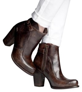 Bed|Stü rustic dark finish Boots