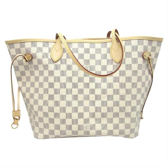 Louis Vuitton Tote in white Image 4