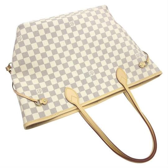 Louis Vuitton Tote in white Image 7
