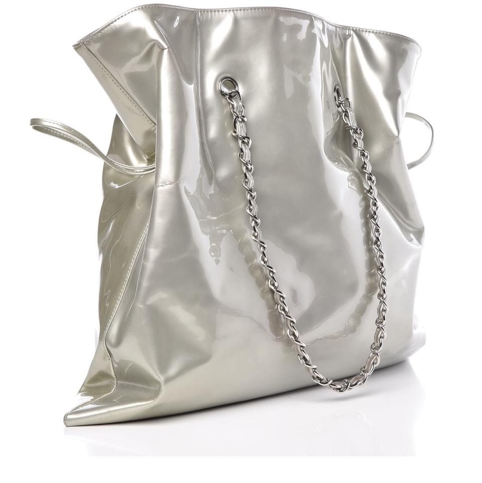 13ad34fb07ae Chanel Clear Crystals Patent Leather Bonbons Tote in Silver Image 11.  123456789101112