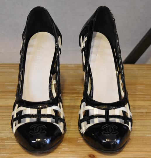 Chanel Woven Patent Leather White & Black Pumps Image 1