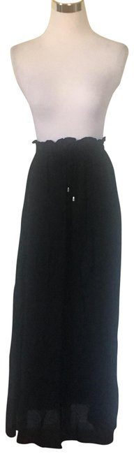Preload https://img-static.tradesy.com/item/25231293/h-and-m-black-skirt-size-0-xs-25-0-1-650-650.jpg