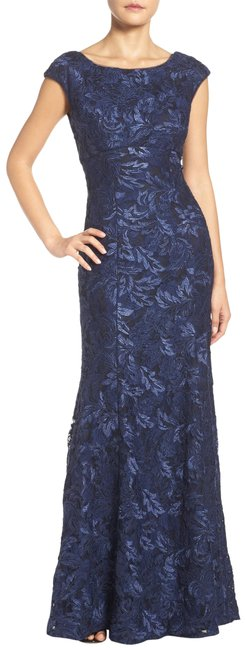 Xscape Navy Blue Embroidered Lace Mermaid Gown Long Formal Dress Size Petite 6 (S) Xscape Navy Blue Embroidered Lace Mermaid Gown Long Formal Dress Size Petite 6 (S) Image 1