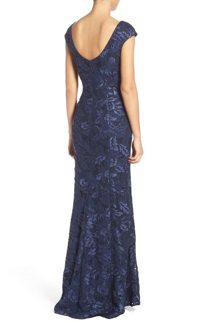 Xscape Navy Blue Embroidered Lace Mermaid Gown Long Formal Dress Size Petite 6 (S) Xscape Navy Blue Embroidered Lace Mermaid Gown Long Formal Dress Size Petite 6 (S) Image 3