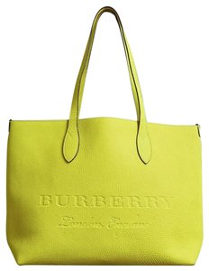 3f1e972f3937 Burberry Bags and Purses on Sale - Up to 70% off at Tradesy