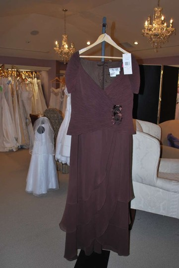 Daymor Couture Brown Chiffon Mother Of Formal Bridesmaid/Mob Dress Size 16 (XL, Plus 0x)