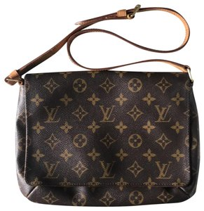 6f491117783b0 Louis Vuitton Cross Body Bags - Up to 70% off at Tradesy