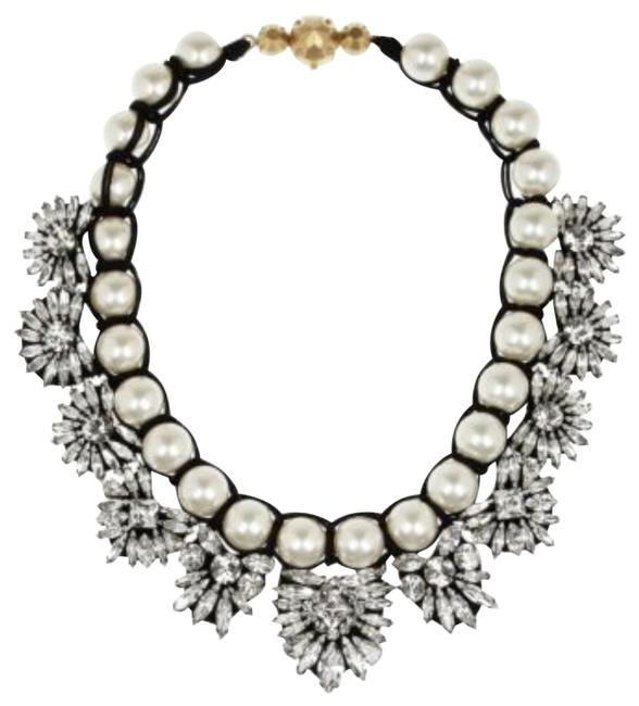 Item - White Pearl Crystal Embellishment Necklace