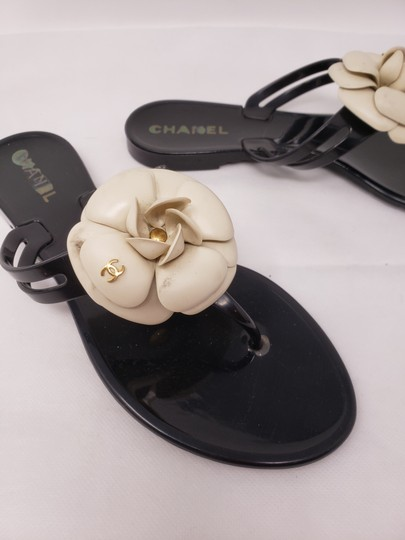 Chanel Jelly Camellia Interlocking Cc Gold Hardware Silver Hardware Black Sandals Image 6