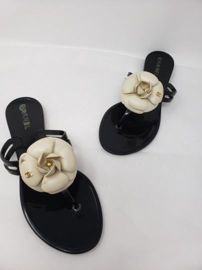 Chanel Jelly Camellia Interlocking Cc Gold Hardware Silver Hardware Black Sandals Image 7