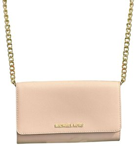 9d2717563d12e2 Pink Michael Kors Cross Body Bags - Over 70% off at Tradesy (Page 3)