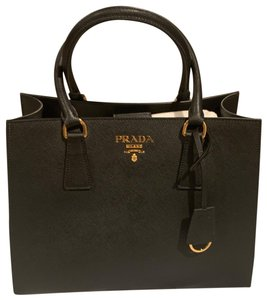 0cefecf18625 Prada Totes on Sale - Up to 70% off at Tradesy