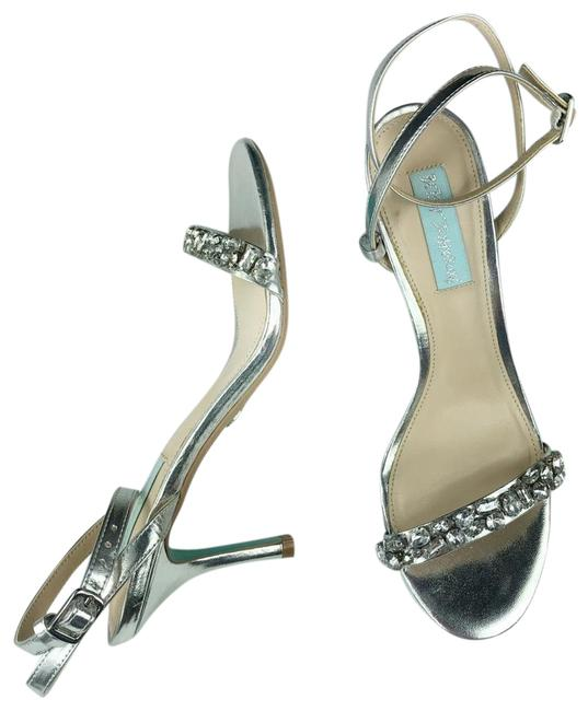 Item - Silver High Heel Pumps Size US 6 Regular (M, B)