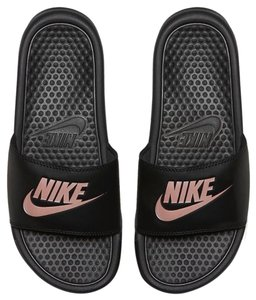 fefbf0daf Nike Sandals - Up to 90% off at Tradesy