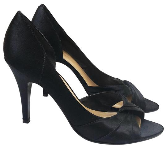 Preload https://img-static.tradesy.com/item/25239222/nine-west-black-gold-chic-to-chico-pumps-size-us-7-regular-m-b-0-1-540-540.jpg
