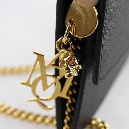 Alexander McQueen Leather Chain Pouch W/Skull Charm Cross Body Bag Image 5