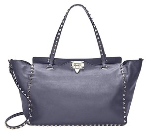 d48ce0c2f26b Valentino Bags - 70% - 90% off at Tradesy (Page 4)
