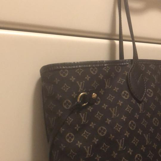 Louis Vuitton Tote in Brown Image 3
