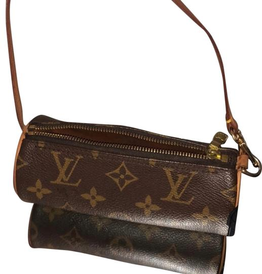 Preload https://img-static.tradesy.com/item/25239884/louis-vuitton-mini-round-lv-monogram-brown-leather-clutch-0-1-540-540.jpg