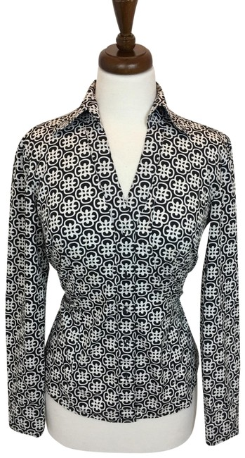Preload https://img-static.tradesy.com/item/25239930/ann-taylor-black-button-down-top-size-4-s-0-1-650-650.jpg