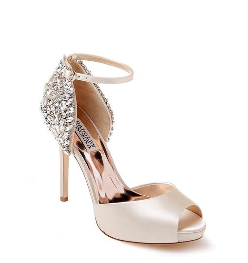 Badgley Mischka Ivory Vanity Crystal Embellished Pumps Size US 6.5 Regular (M, B) Image 0