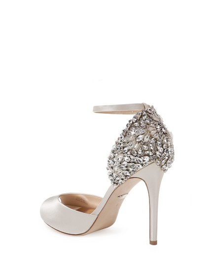 Badgley Mischka Ivory Vanity Crystal Embellished Pumps Size US 6.5 Regular (M, B) Image 1