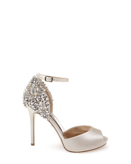Badgley Mischka Ivory Vanity Crystal Embellished Pumps Size US 6.5 Regular (M, B) Image 2